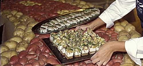 Buffet de préparations culinaires de pommes de terre